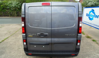 Oyster Grey Renault Trafic SL27 125PS Sport with Reversing Camera full