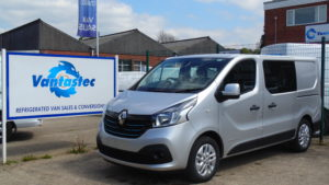 Silver Renault Trafic SL27 crew van as converted by Vantastec