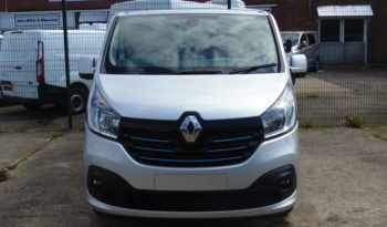 Silver Renault Trafic SL27 125PS Sport with Reversing Camera full