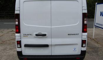 White Renault Trafic SL27 125PS Sport with Reversing Camera full