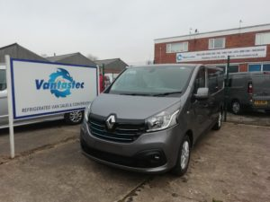 LL29 Oyster grey Renault Trafic crew van as converted by Vantastec